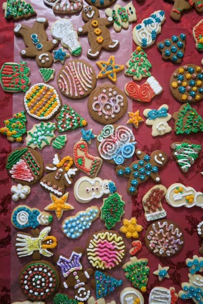 Decorating Christmas Cookies.Gingerbread Cookies
