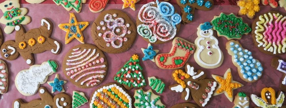Decorating Christmas Cookies