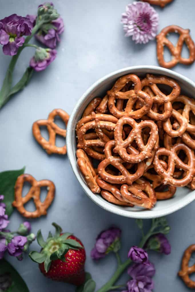 a bowl of pretzels